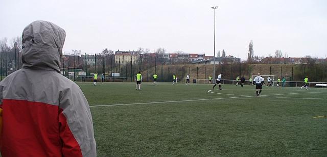 Coach betrachtet das Spiel